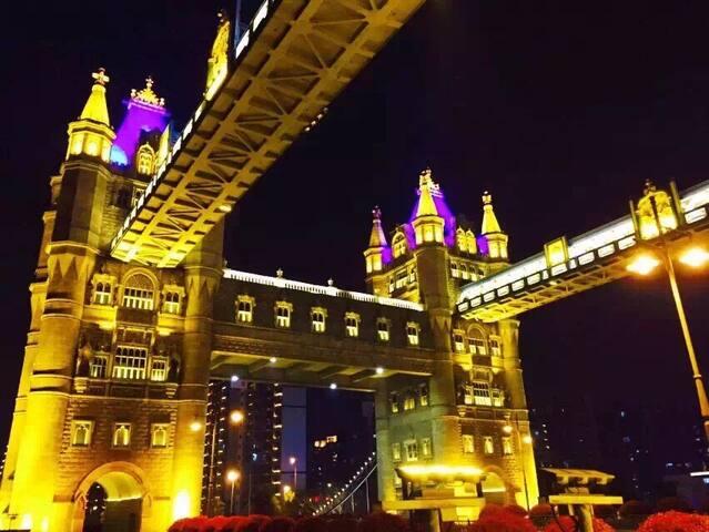 繁华商圈附近,临近虎丘、拙政园、火车站、观前街、山塘街,英国伦敦桥相伴,2房复式尊享套房 - Suzhou