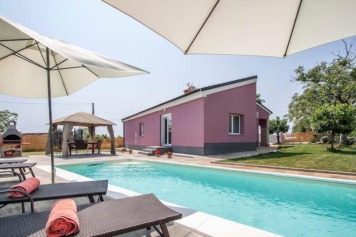 Beautifull new Villa with private pool -peaceful - Rakalj - Rumah