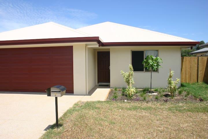 Brand-new Home in Redlynch - Redlynch - Casa