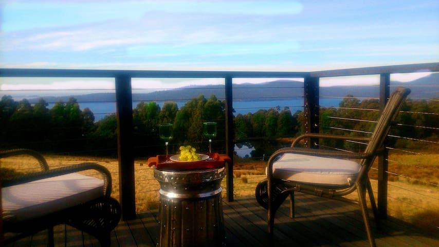 The O Retreat-Ocean View Ensuite Spa & Balcony - Middleton - Pousada