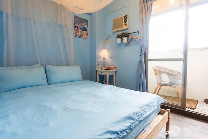 藍色夏天03,電梯大樓,有獨立衛浴陽台免費wifi,步行到夜市約8分鐘 - Xitun District - Daire