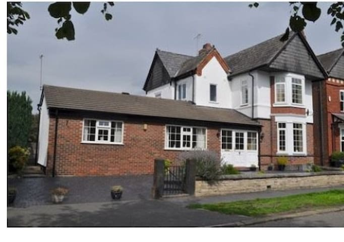 The Annexe - Northwich - Andre