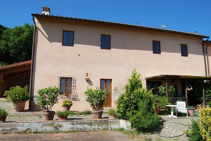 """Appartamento """"Colonica"""" vicino a Firenze - Capraia e Limite"""