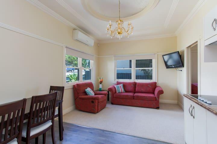 Edith Lodge - Apartment 2 - Waratah - Apartamento
