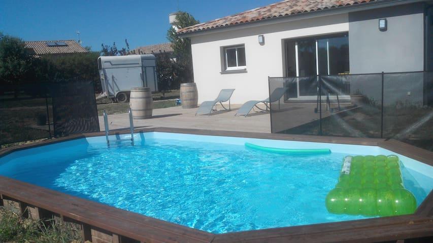 Chambre indépendante avec accès piscine et balnéo! - Escazeaux - Huis