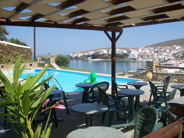 Vassiliki Studios and Apartments - Andros - Bed & Breakfast