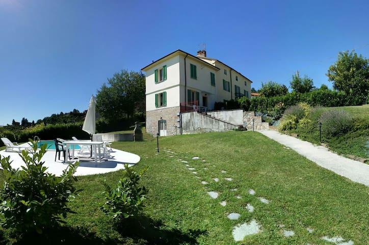 Intera casa con piscina privata - Sarezzano