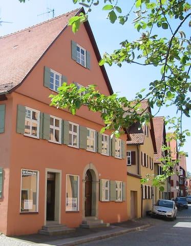 Gemütliche Wohnung in Altstadthaus - Dinkelsbühl - Appartement