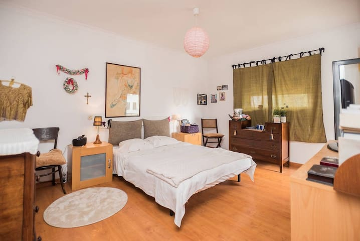 A very cozy room - Lisbon South Bay (private bath) - Alcochete - Квартира