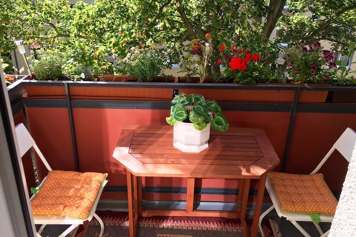 Clean Calm Cosy and Friendly - Berlin - Leilighet