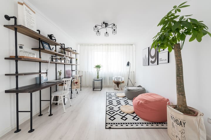 Sharon's Apartment | 简洁1.8m大床房临近国信体育场、石老人海水浴场、齐鲁医院 - Qingdao - Apartamento