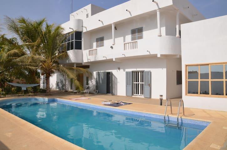Chambre privée villa Sendou 400m de la mer - Dakar - Hus
