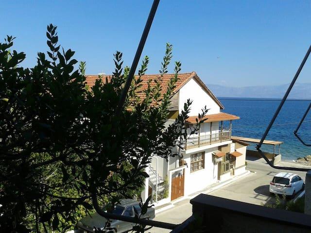 Sunshine apartment by the beach - Παραλία Πλατάνου - Квартира