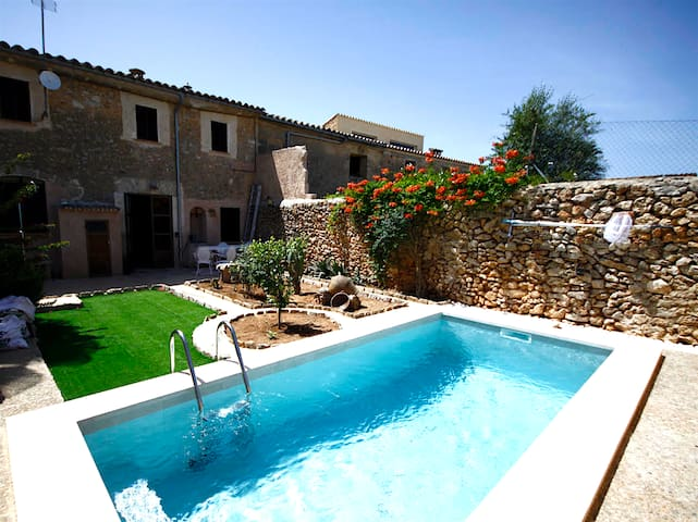Typical old Majorcan house with a private pool - Illes Balears - Hus