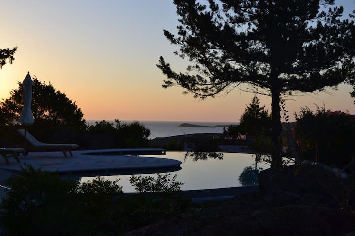 Villa Kara, beautiful villa with pool and seaviews - Punta Molara - Villa