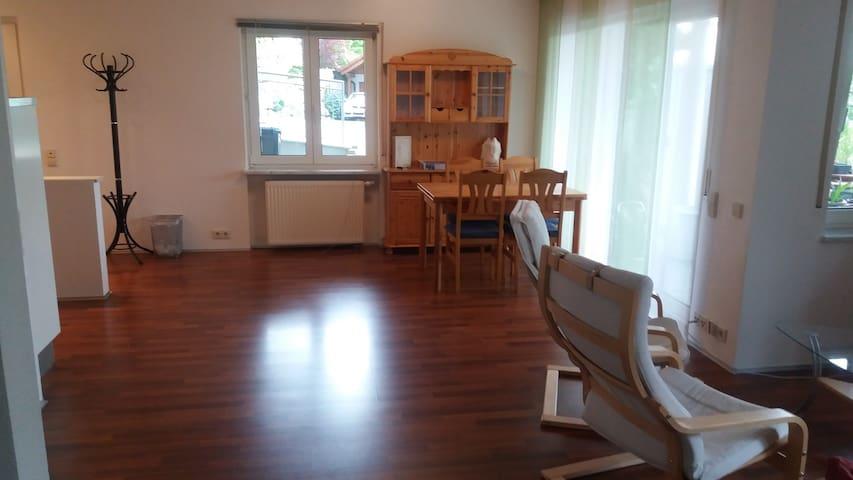 Gemütl., sep. Wohnung mit EBK + Bad in Huttingen - Efringen-Kirchen - Gjestehus