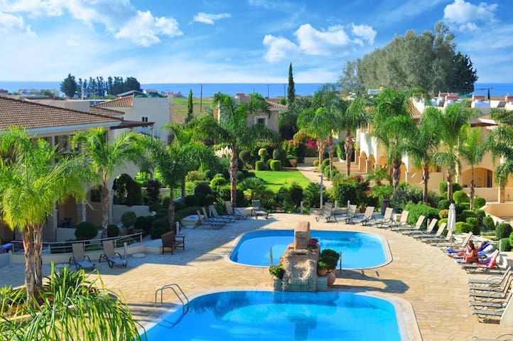 Luxury 2 bedroom apartment in a private resort - Paphos - Appartement