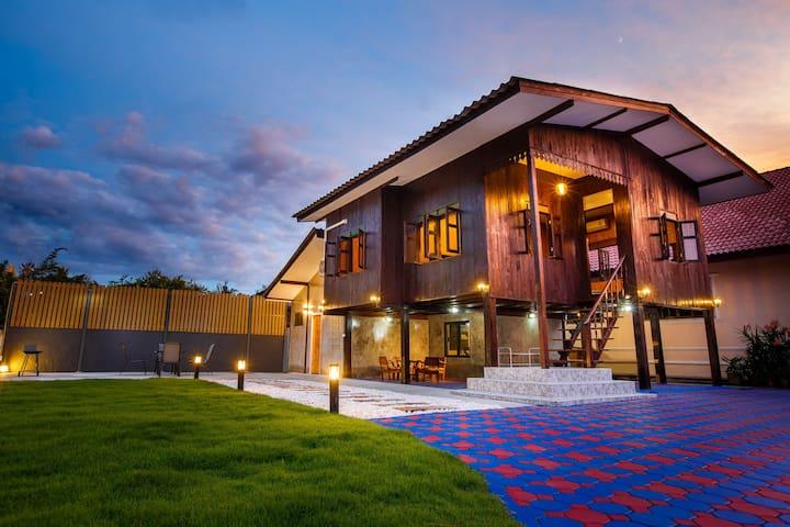Premier Homestay Villa Lanna - Chiang Mai - Casa