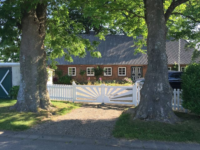 Pure relaxation in charming cottage - Mohrkirch