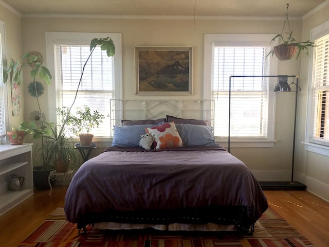 Bright, Eclectic Master Bed + Bath - Oklahoma City