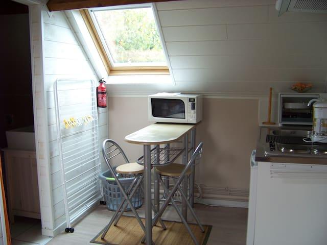 Chambre meublée  tout confort privée - Maulette - Overig