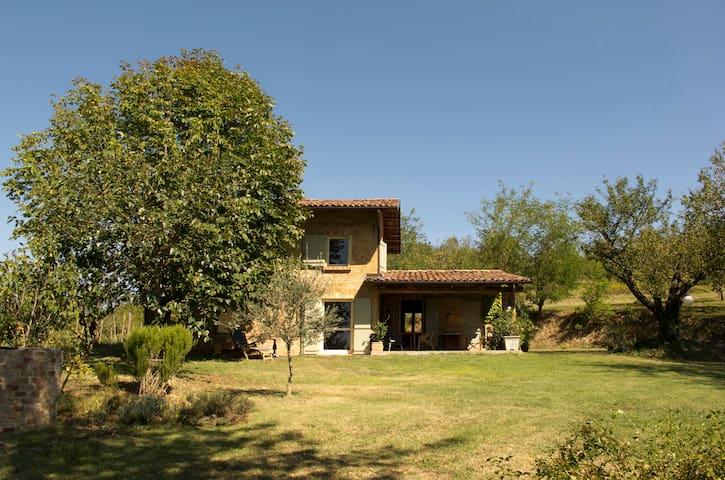 """""""Il Ciabòt - un cottage nel Monferrato"""" - Cocconato - 獨棟"""