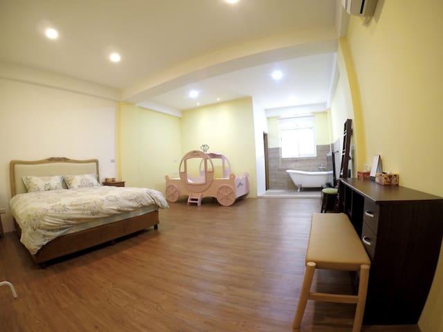 Big room for 2-3 near city center 雙人or三人小家庭 近市中心 - 宜蘭市 - Talo