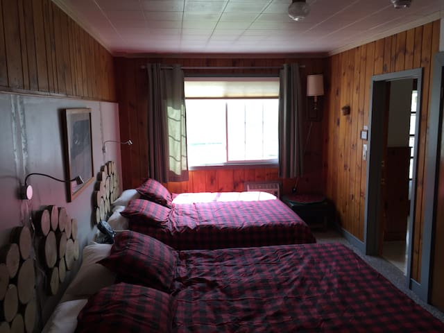 Woodshed Double Room, Private Bath - Stowe - Bed & Breakfast