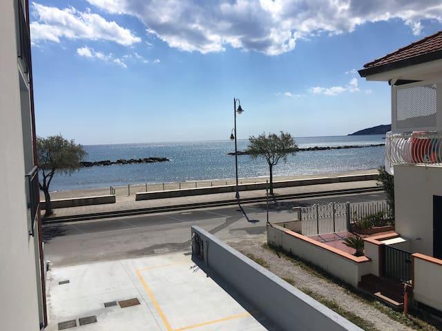 Aria di Mare, Appartamento fronte mare - Casal Velino - Apartament