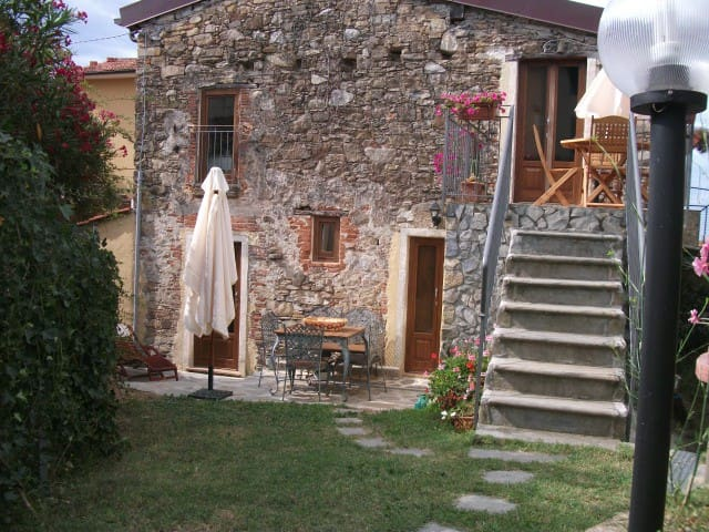 Rustico per momenti romantici - Corsanico - Huis