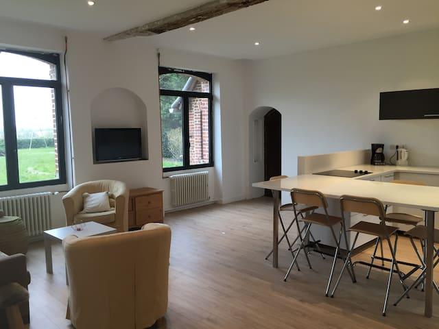 logement de 4 chambres, 10 personnes, 1h Paris - Noyers-Saint-Martin - Casa