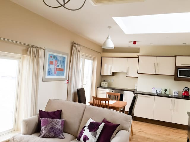 Deluxe New Apartment in the heart of Killarney - Killarney - Daire