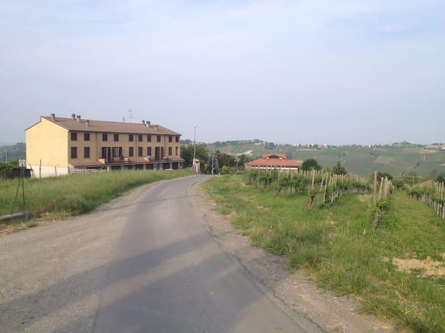 Casa panoramica - Castana - Daire