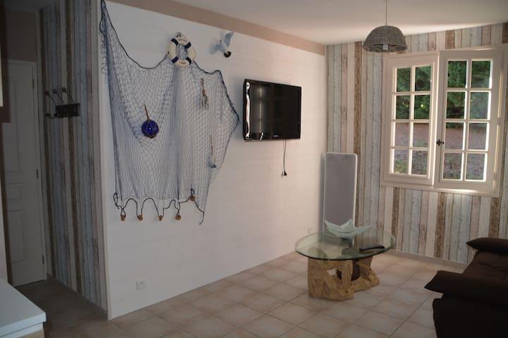 Studio 2 personnes, 1 jeune enfant - Yssandon - Lägenhet