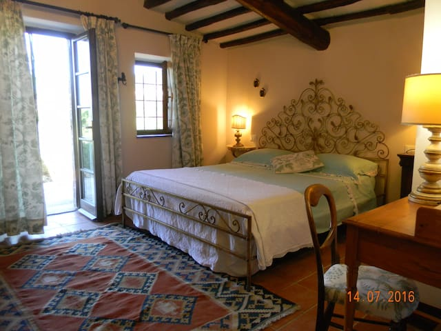 Elegant Country house set in  a lovely garden - Casale marittimo - Villa