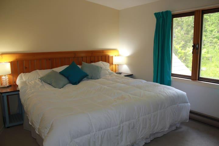 Tara Shanti Bed & Breakfast Aqua Room - Kootenay Bay - Oda + Kahvaltı