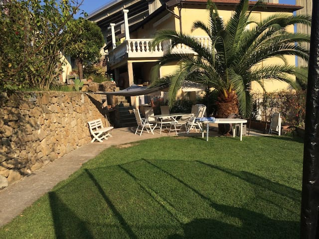 charme cote d'azur à l'italienne terrasse jardin - Latte - Departamento