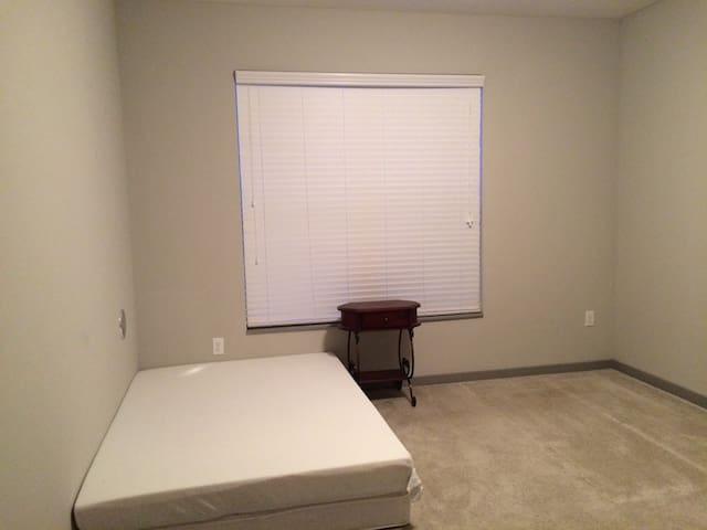2Beds with 1Bath Rool Available - New Albany - Appartement