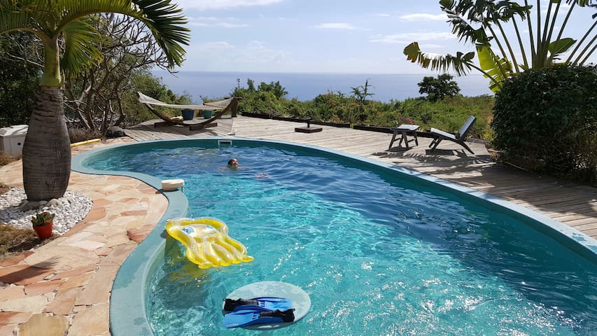 Bungalow with pool, sea view and private Jacuzzi - Plateau-Caillou - Casa