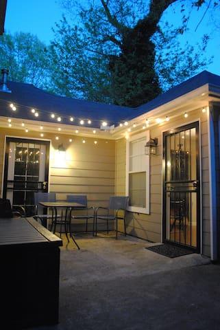 Comfy & Close Studio apt private entry & kitchen - Мемфис - Гостевые апартаменты