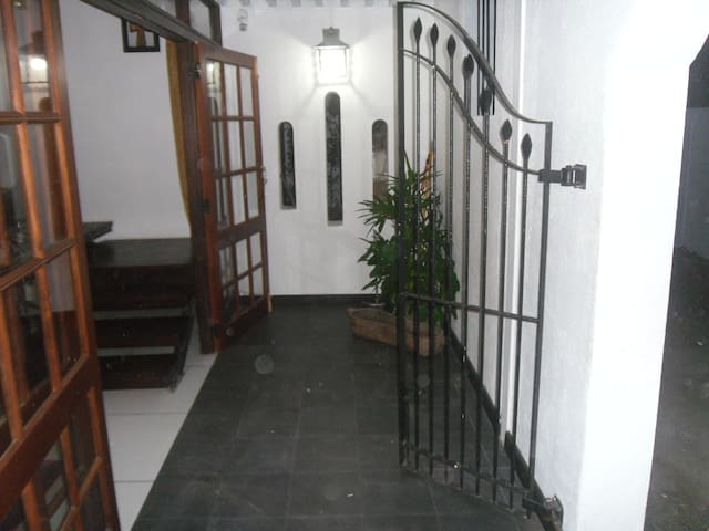 D and D's Apartment - Colombo