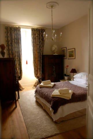 PraanaWellness Rooms @TheRetreat - Saint-Germain-de-Vibrac - Bed & Breakfast
