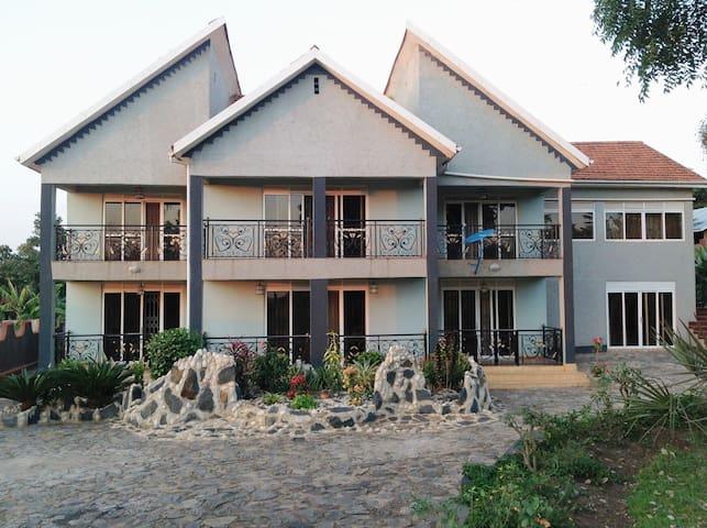 Rotinel Home Stay - Mukono - Hus