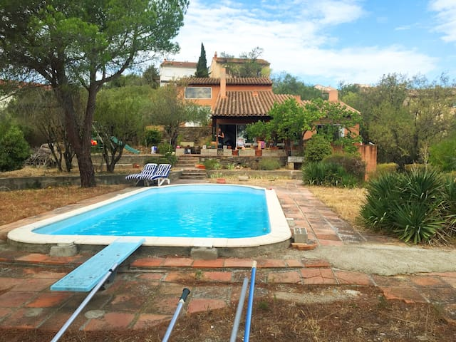 Cosy double room, beautiful gardens with pool - Calce - Villa