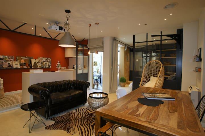 Superb loft by an interior decorator in the center - L'Isle-sur-la-Sorgue - Pis