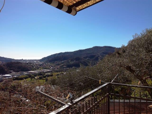 Appartamento in villa con giardino vista mare - Metropolitan City of Genoa - Hus