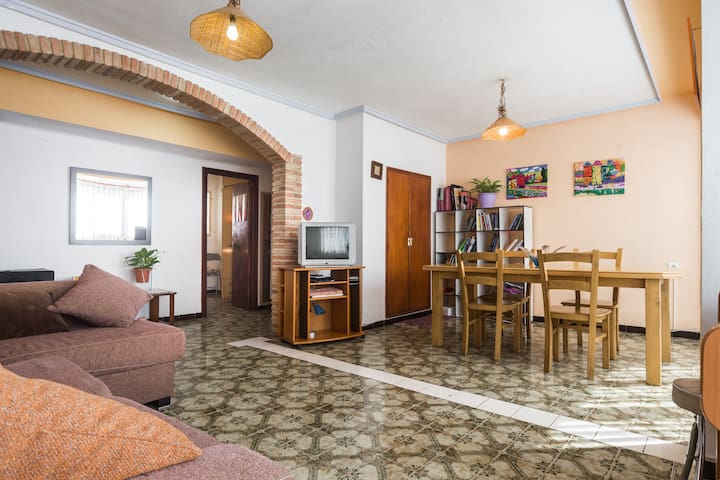 PISO RUSTICO CON VISTAS AL CASTILLO Y RIO - Sagunt - Lägenhet