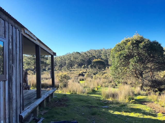 Newly restored Cradle Mountain house on 100 acres - Moina - Dům