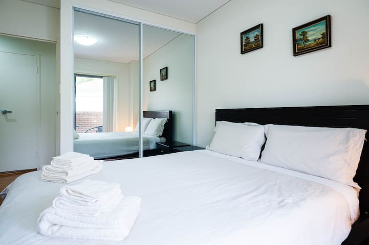 $110=(2-Bedrooms & 2-Queen beds)、2卧室2大床 - Sydney - Leilighet