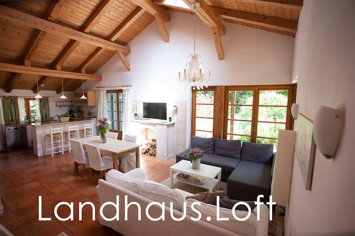 Idyllic apartment with large garden - Hamburg - Vindsvåning